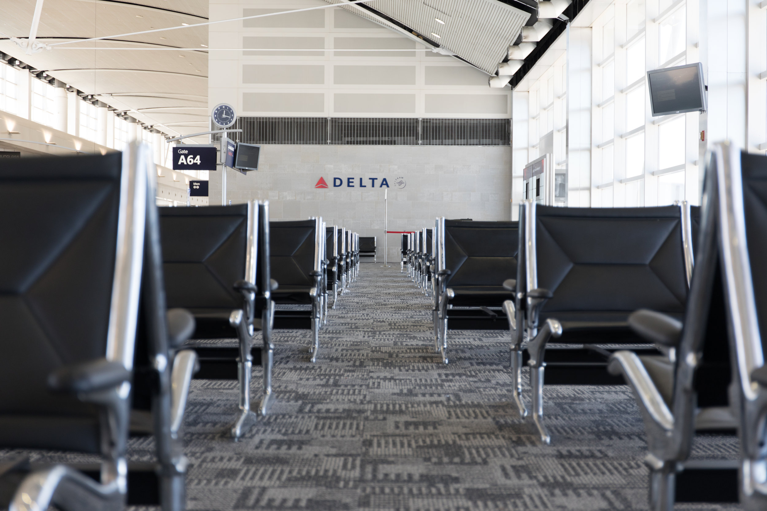 Delta-Airlines-Detroit-Metro-Airport-Photography-Gate-Planes