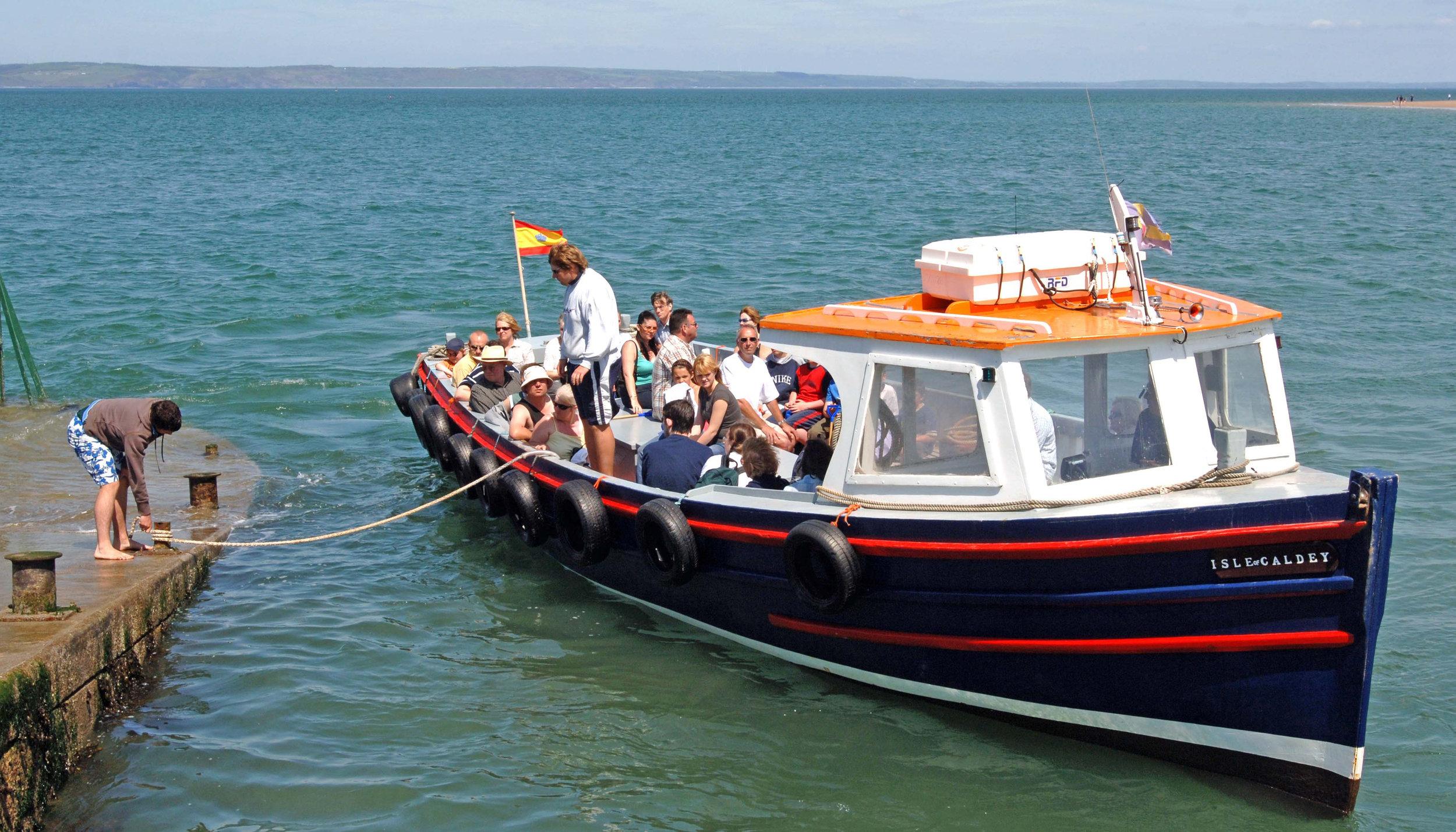 Caldey Boat landing 2.jpg
