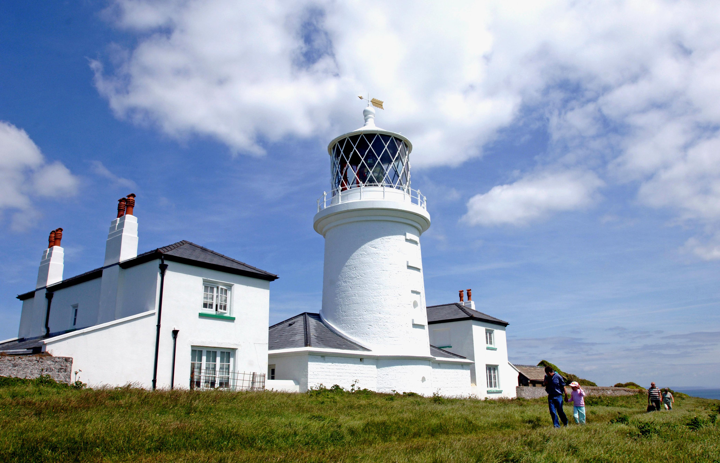Caldey lighthouse 2.jpg