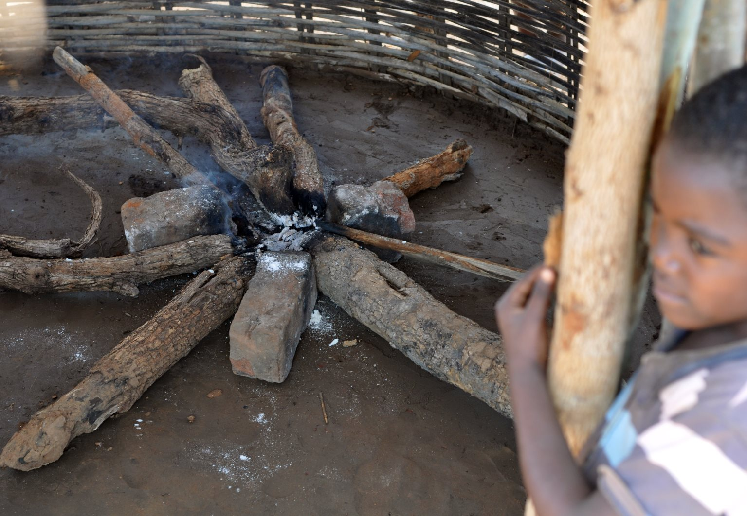 Open fires are very smoky. Health damaging exposures of PM2.5 are any that exceed 100 ug/m3. Average levels of PM2.5 in poorly ventilated kitchens in rural Zambia exceed 400 ug/m3 and may reach 1000 ug/m3.