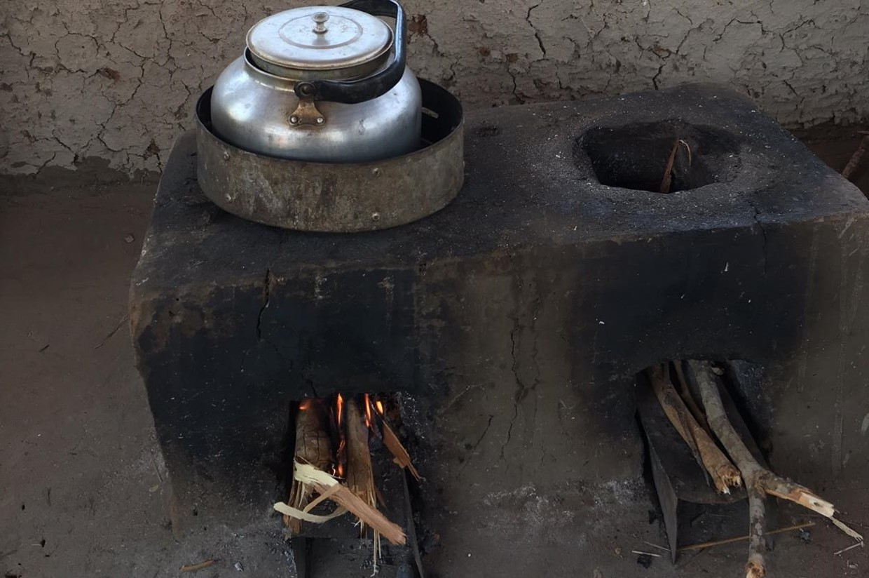 Over 50,000 TLC-CQC Rocket Stoves (stove model versions 1 & 2) have been installed in the Luangwa valley region over a two-year period by on-the-ground partner COMACO, benefiting over 300,000 people.