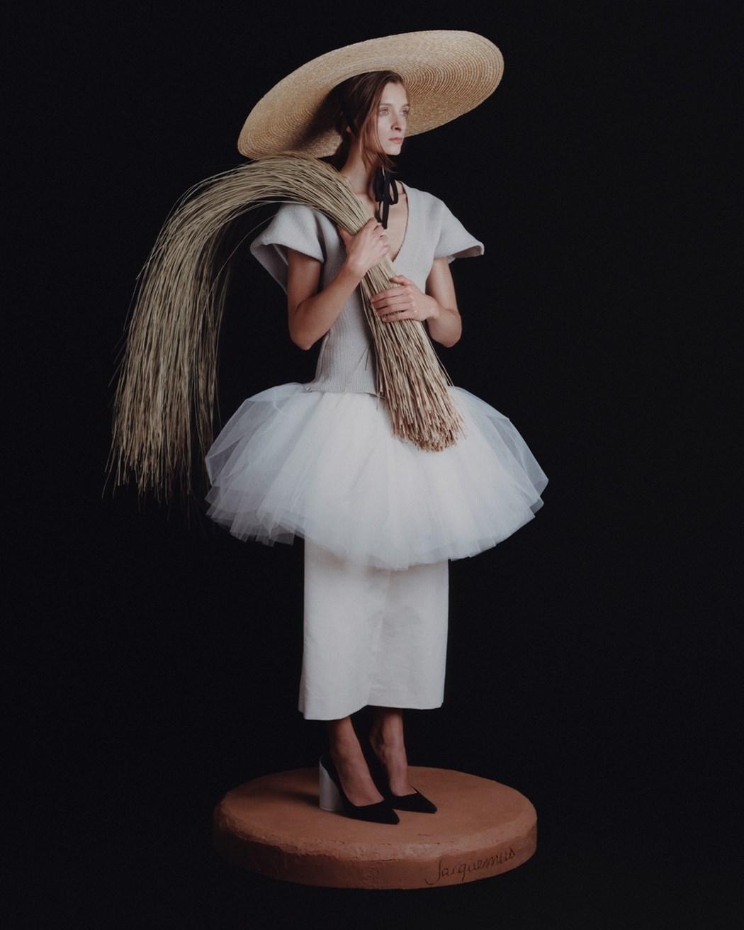 La Femme aux Fagots (The Woman with a Bundle of Sticks) Photography David Luraschi, artistic direction Simon Porte Jacquemus