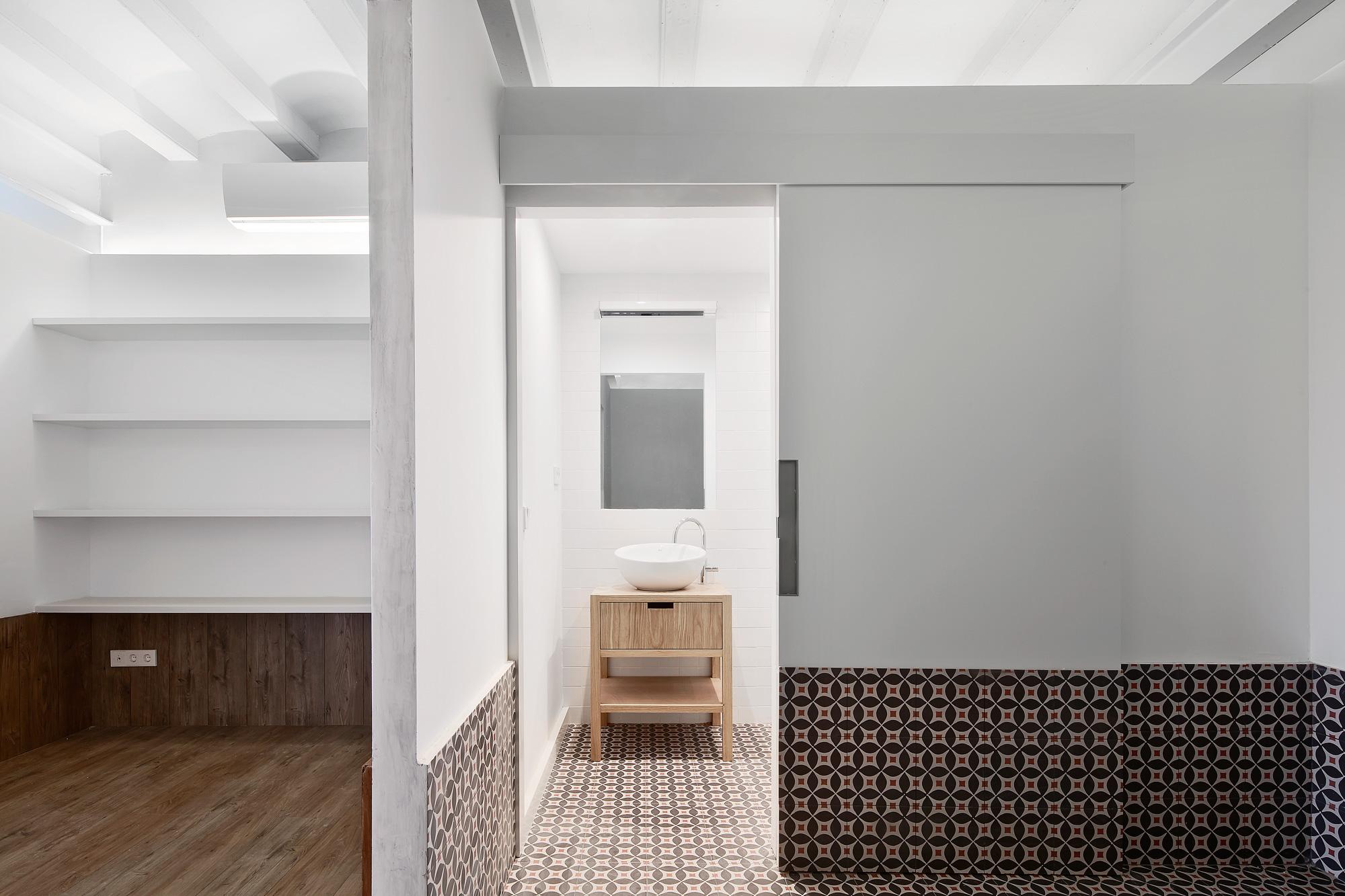 Tamarit Apartment by RAS Arquitectura on Anniversary Magazine