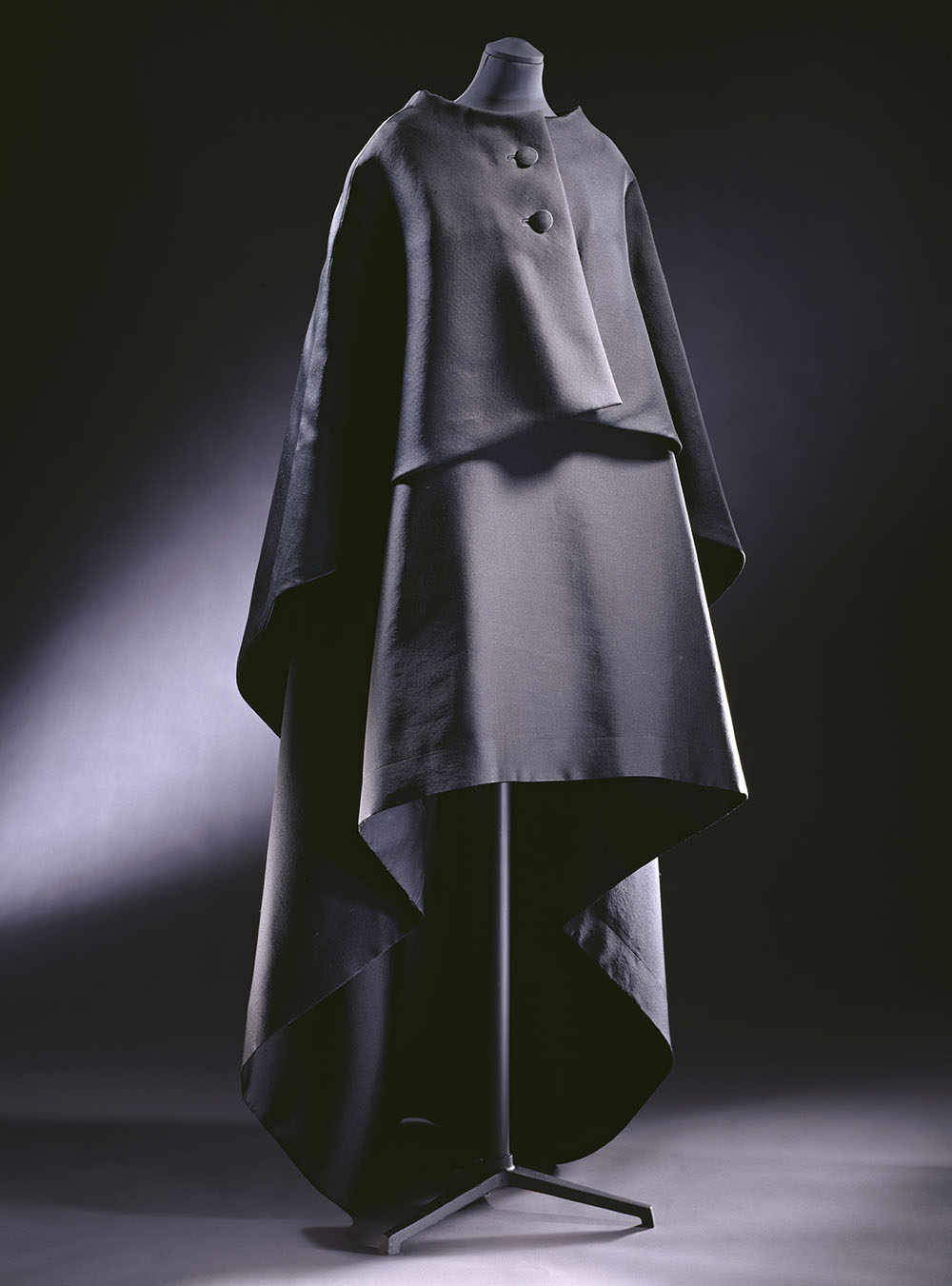 Evening gown and cape, ziberline, Cristóbal Balenciaga, Paris, 1967 © Victoria and Albert Museum, London