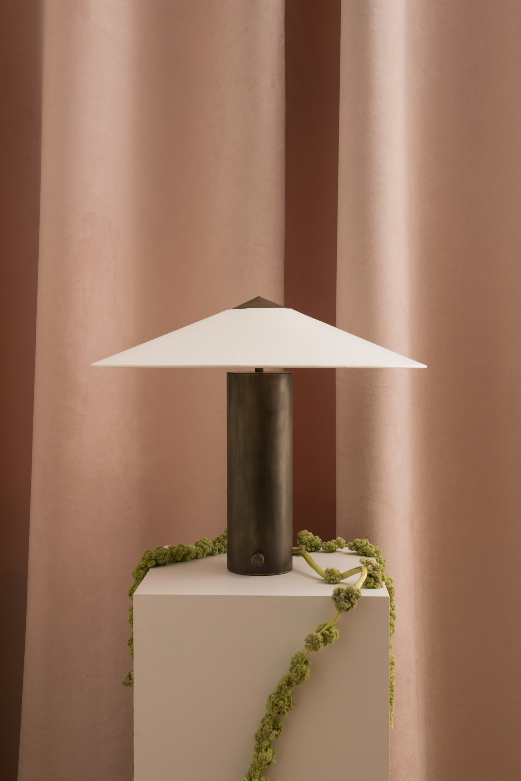 yamatablelamp_small_coilanddrift_byseandavidson10.jpg