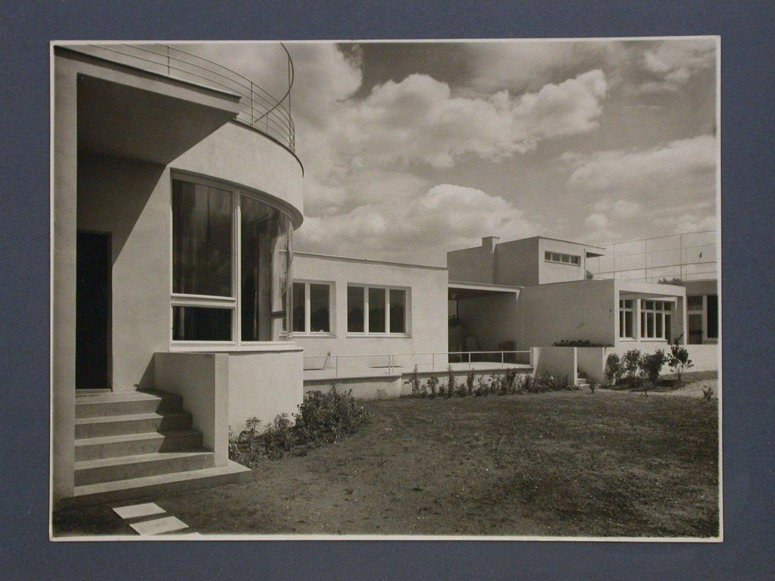 Bauhaus-style architecture, Wroclaw, Poland — Collection Centre Canadien d'Architecture/Canadian Centre for Architecture, Montréal