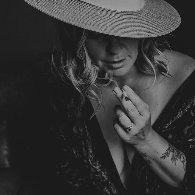Happy Legalization Day! . . . . . . . . Hair & makeup - @tiiuantreamakeup  #cannabisincanada #canadiancannabis #legalizemarijuana, #cannabis #ganja #smokeit #legalizemarijuana #420 #boudoir #edmontonboudoir #yegboudoir #intimate #inspo#yeg #makeportraits #loft #loftstudio#boudoirphotographer#yegphotographer #boudoirphotography #boudoirstudio#portrait #makeportraits #beauty #beautiful #domorephotographer #chasinglight#lookslikefilm #woman#instagood #intimateportraits#boudoirphotography#intimatelifestylephotography