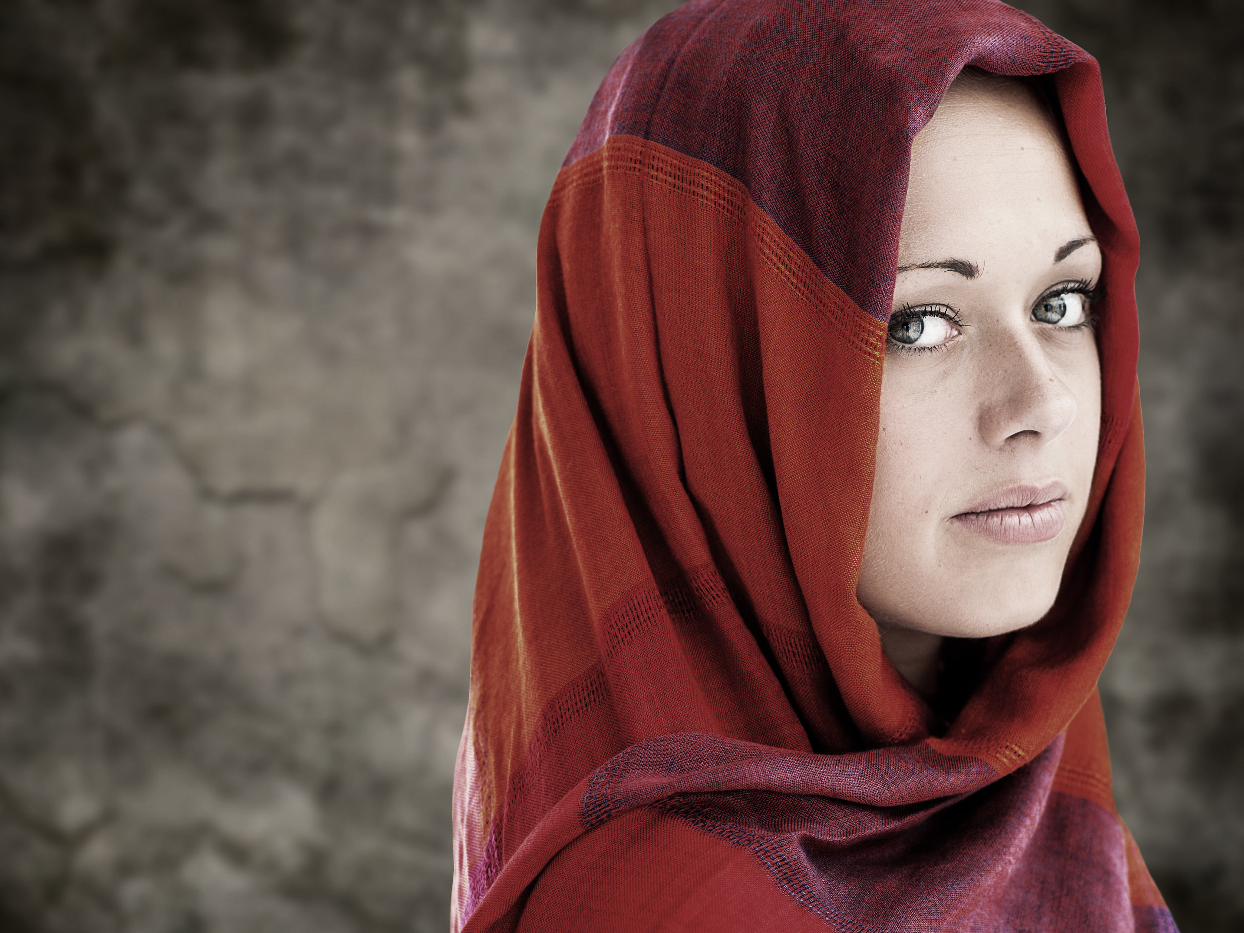 bigstock-Young-Arabic-woman-in-wearing--46804516.jpg