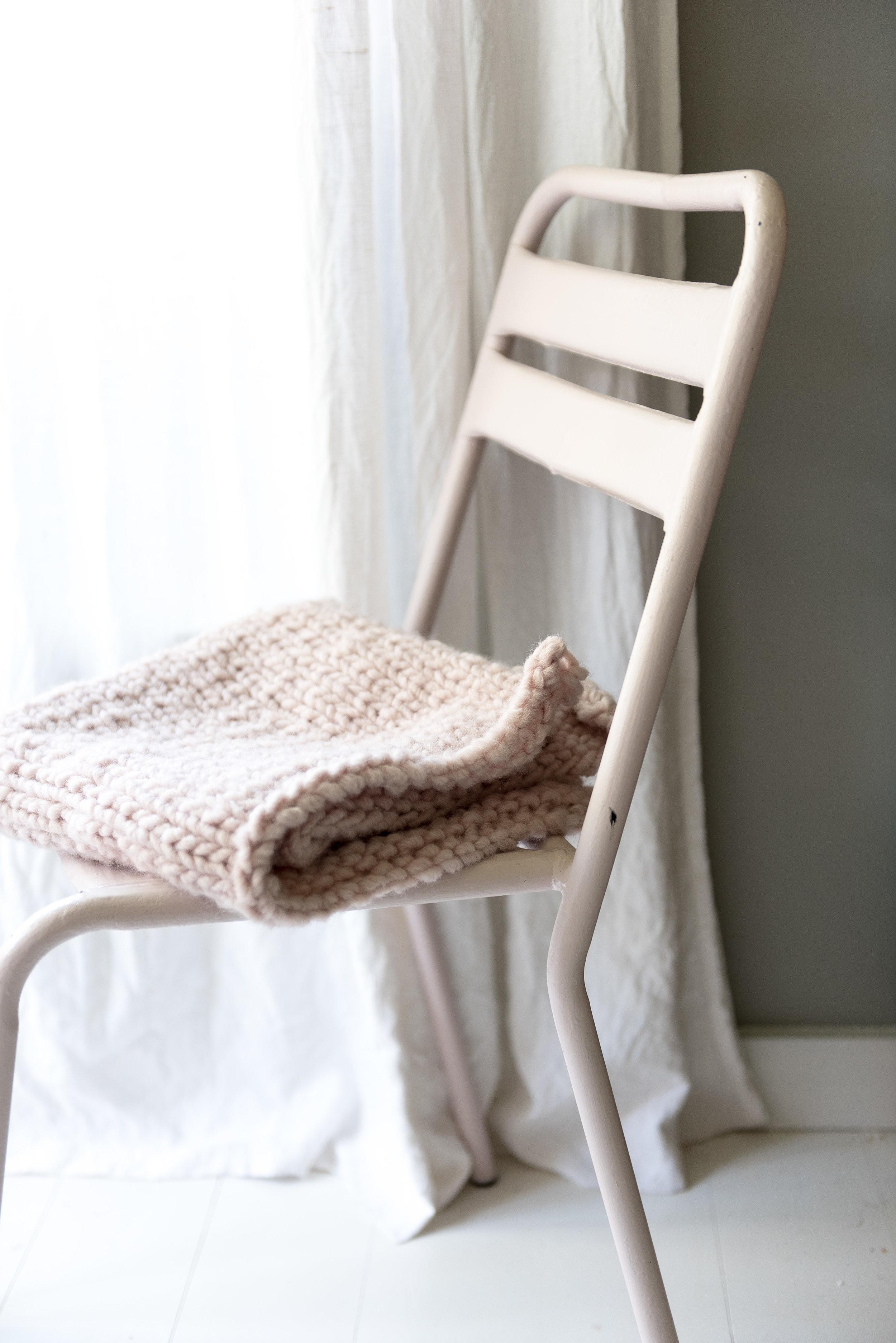 Couverture en grosse laine au point jersey