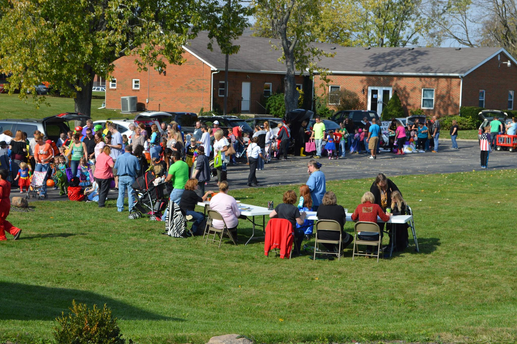 Kids and adults enjoying Crossroad's 2016 Trunk n Treat