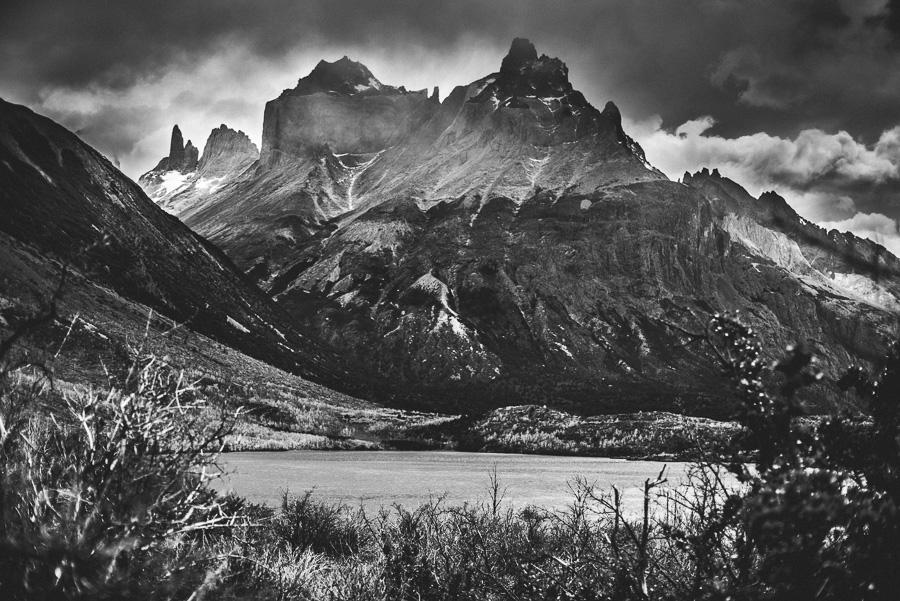 Parque nacional Torres del Paine, Patagonia Chilena. Vista caminando desde el   Camping Paine Grande.Nikon D810, 50mm 1.2 AIS. f2.8 iso64 1/2500. Enero 2017
