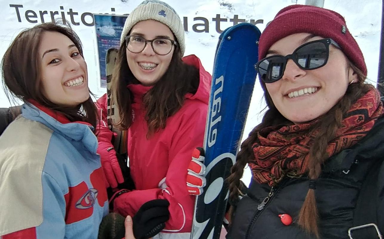 Diana en Sierra Nevada con Albertina y Antonella