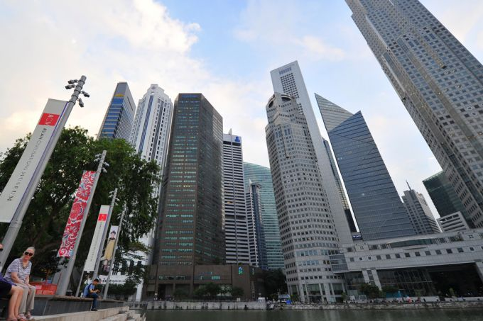 20180207-jasminevincent-bt-singapore-office-retail-sector-growth-pic.jpg