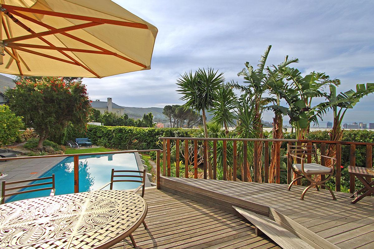 Cape-Paradise-Lodge-Cape-Town.jpeg