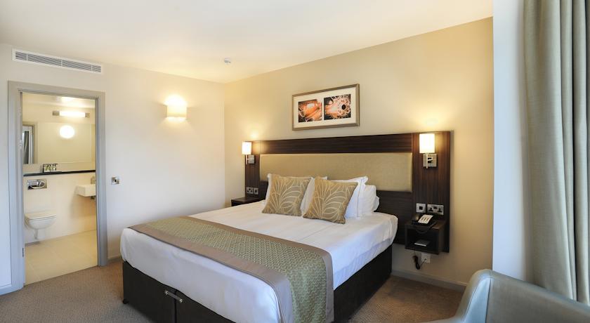 heston-hyde-hotels-united-kingdom-hounslow-344219_189105orjxm.jpeg