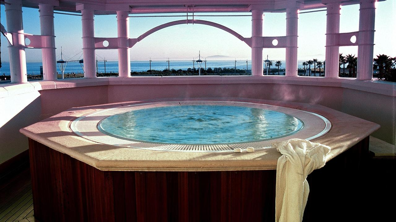 table bay hotel2.jpeg