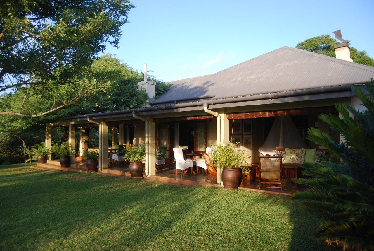 Safari Lodge Veranda1.jpg