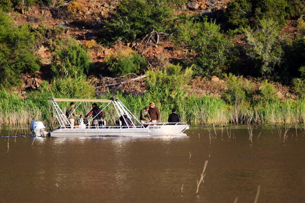 Sanbona Boat.jpg