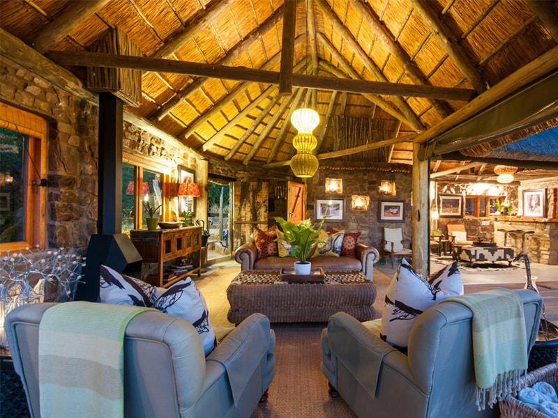 HillsNek_Safaris_Amakhala_Game_Reserve_Facilities-min.jpg