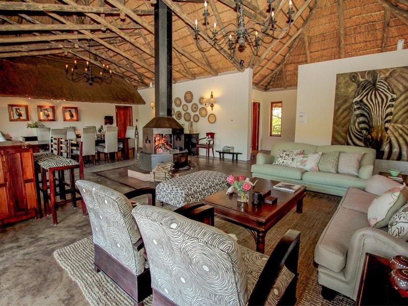 Eastern_Cape_Safari_greater_Addo_Amakhala_Bukela_Lounge_Ljpeg-min.jpg