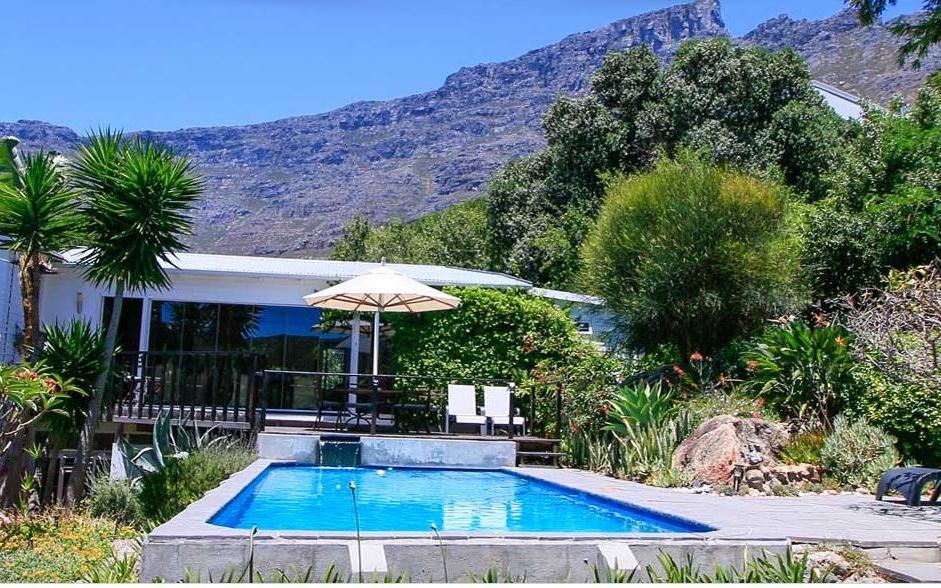 Cape_paradise_lodge.jpeg
