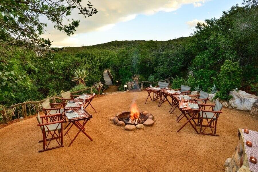 Lobengula-Lodge-Boma-dining-Gallery-1.jpg