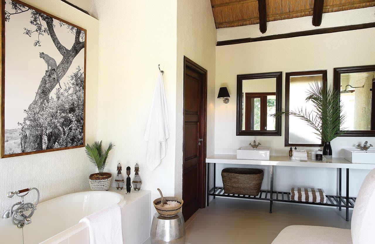 Agence_de_voyages_basée_en_Afrique_Tours_et_voyage_à_Cape_Town_et_les_vignobles_Voyage_de_noces avec_CapOuPasCap_Voyage_Londolozi_Tree_Camp8-min.jpg