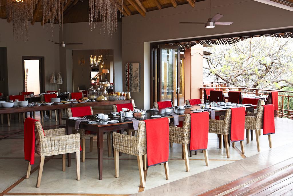 Agence_de_voyages_basée_en_Afrique_Tours_et_voyage_à_Cape_Town_et_les_vignobles_Voyage_de_noces avec_CapOuPasCap_Voyage_Durban_Thanda5.jpg