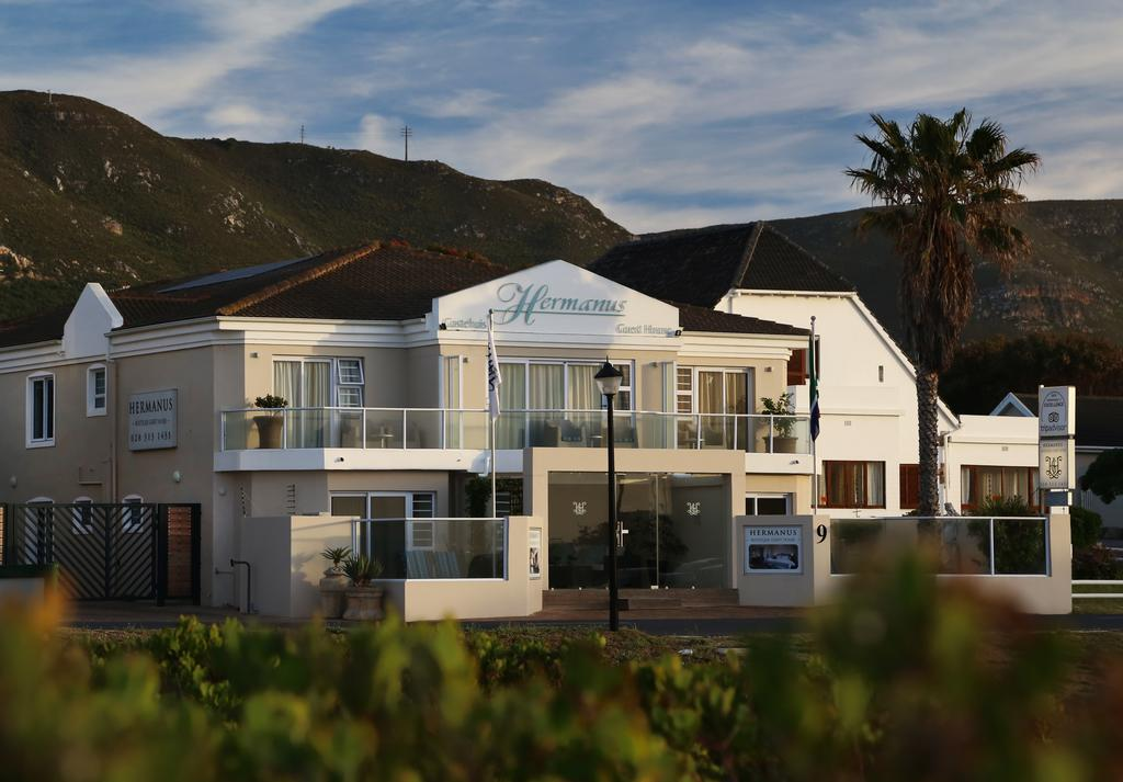 Agence_de_voyages_basée_en_Afrique_Tours_et_voyage_à_Cape_Town_et_les_vignobles_Voyage_de_noces avec_CapOuPasCap_Voyage_Corner house_Hermanus1.jpg