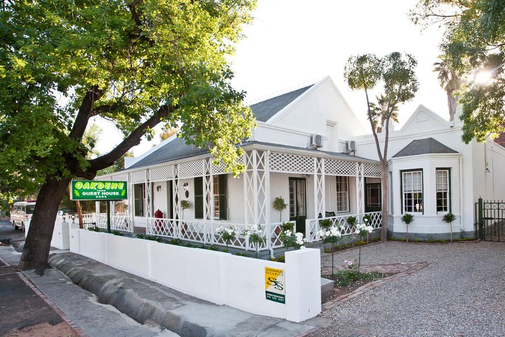 Agence_de_voyages_basée_en_Afrique_Tours_et_voyage_à_Cape_Town_et_les_vignobles_Voyage_de_noces avec_CapOuPasCap_Voyage_la_route_des_jardins_oudtshoorn1.jpg