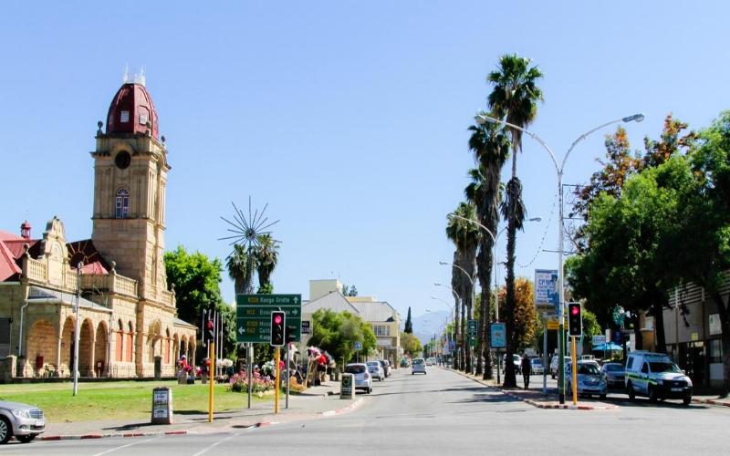 Agence_de_voyages_basée_en_Afrique_Tours_et_voyage_à_Cape_Town_et_les_vignobles_Voyage_de_noces avec_CapOuPasCap_Voyage_oudtshoorn_cango caves5.jpg