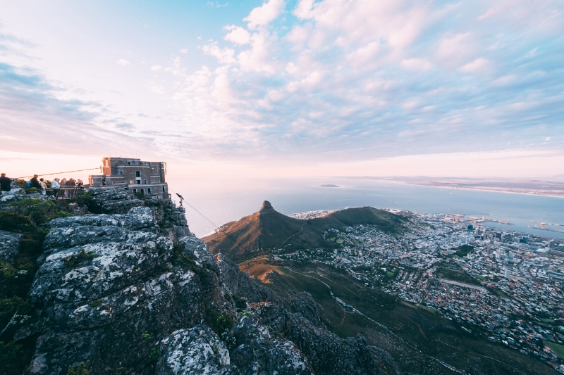 The Mother City - Découvrez l'incroyable ville de Cape Town et ses alentours à travers cet itinéraire authentique. Visitez le Cap comme un local, montez au sommet de Table Mountain, mangez dans un