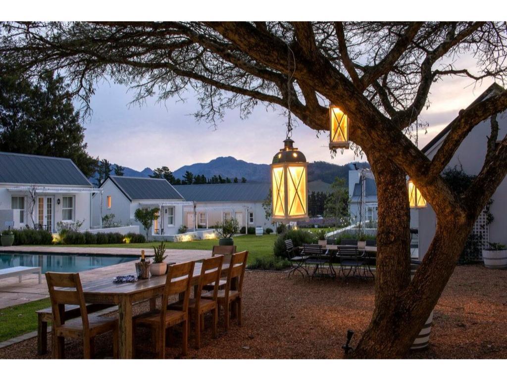 Agence_de_voyages_basée_en_Afrique_Tours_et_voyage_à_Cape_Town_et_les_vignobles_Voyage_de_noces avec_CapOuPasCap_Voyage_Corner house_Cape Town_Le cap_Lavender Farm Guest house7.jpg