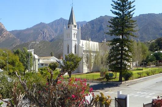 Agence_de_voyages_basée_en_Afrique_Tours_et_voyage_à_Cape_Town_et_les_vignobles_Voyage_de_noces avec_CapOuPasCap_Voyage_Corner house_Cape Town_Le cap_monagu3.jpg