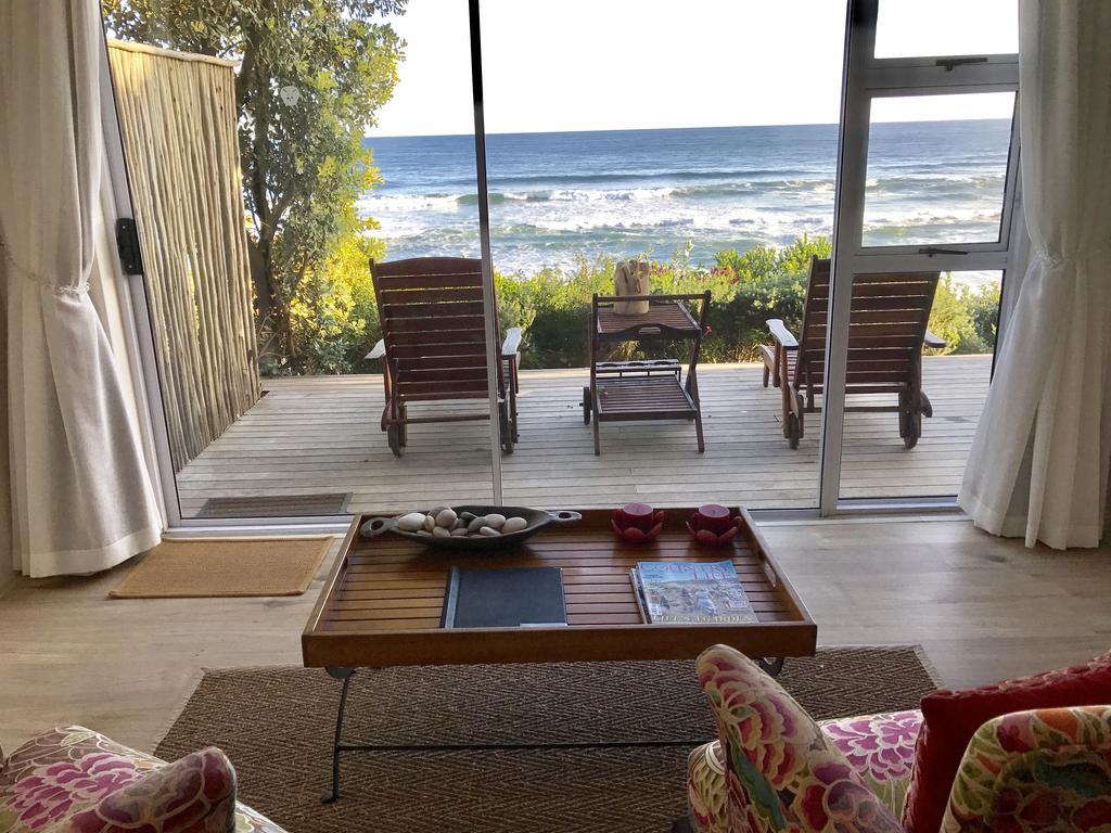 Agence_de_voyages_basée_en_Afrique_Tours_et_voyage_à_Cape_Town_et_les_vignobles_Voyage_de_noces avec_CapOuPasCap_Voyage_la_route_des_jardins_wilderness_dune beach house14.jpg