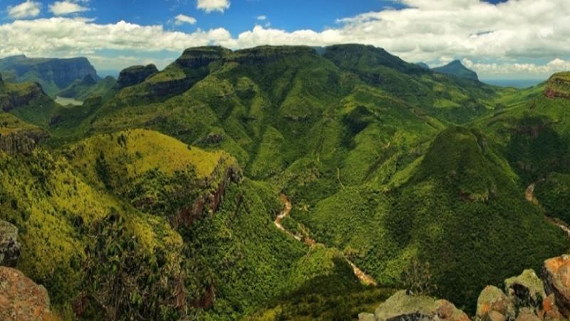 Travel_agency_based_in_South_Africa_Safaris_Sejour Activités_Kruger park_Panoramic route_Nelspruit_hoedspruit2.jpg