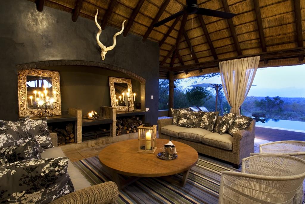 Pool Lounge 2.jpg