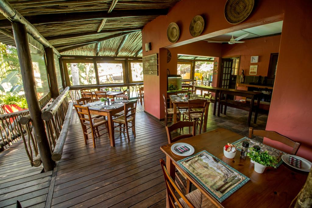 Agence de voyages basée en Afrique. Circuits et Safaris en Afrique. Loges pour les familles et les couples. St Lucia_umliloLodge4.jpg