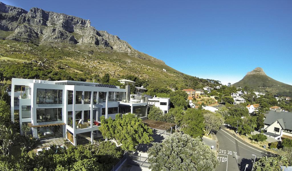 Agence_de_voyages_basée_en_Afrique_Tours_et_voyage_à_Cape_Town_et_les_vignobles_Voyage_de_noces avec_CapOuPasCap_Voyage1.jpg