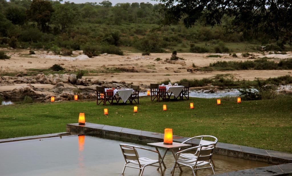 Agence de voyages basée en Afrique. Circuits et Safaris en Afrique. Loges pour les familles et les couples._le_parc_national_kruger_Mjejane_River_Lodge4.jpg