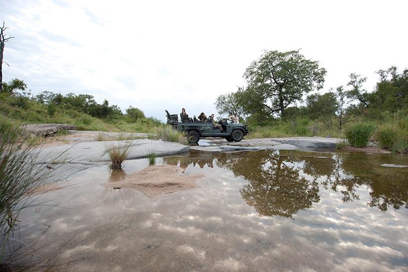 Agence de voyages basée en Afrique. Circuits et Safaris en Afrique. Loges pour les familles et les couples._le_parc_national_kruger_Singita_Boulder_Lodge8.jpg