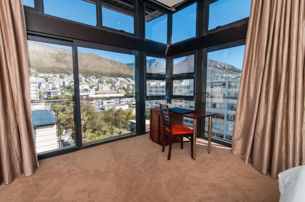 Agence de voyages basée en Afrique. Circuits et Safaris en Afrique. Loges pour les familles et les couples._le_cap_Premier hotel_Cape Town6.jpg