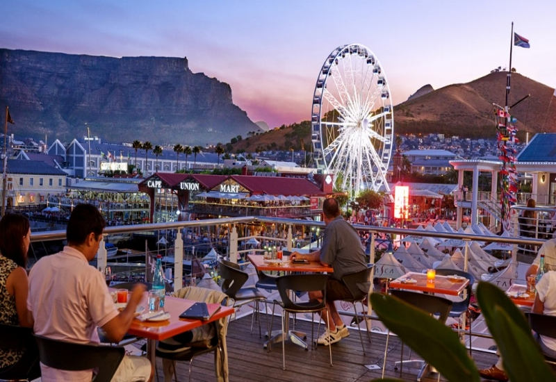 VA_waterfront_restaurant_with_table_mountain_and_cape_wheel-1024x576.jpg