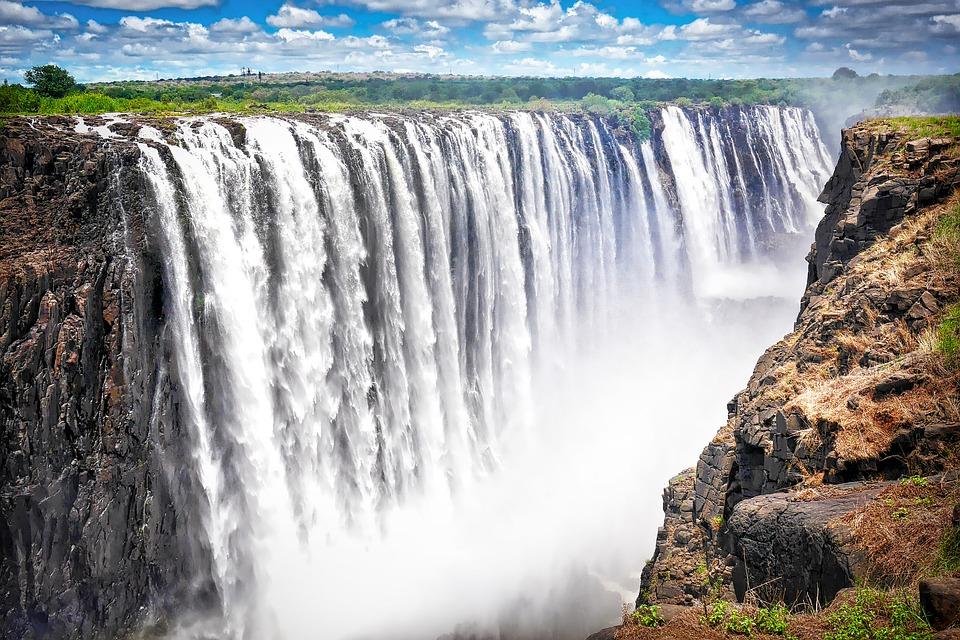 Victoria-Case-Victoria-Falls-Zimbabwe-Africa-2960532.jpg