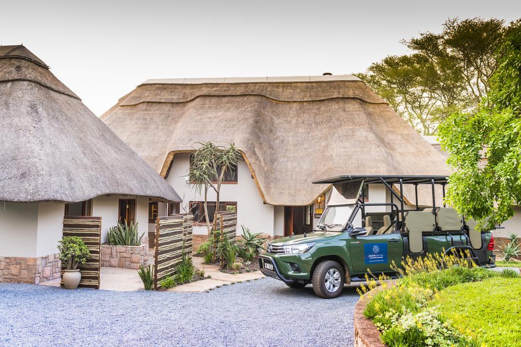 Agence locale pour Circuits, safaris et destinations en Afrique. Nous répondons à votre budget et vos besoins. Safaris en famille et visites guidées_Ane_hluhluwe hotel11.jpg