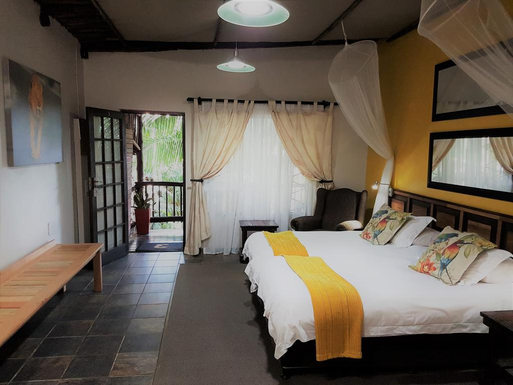Agence de voyages basée en Afrique. Circuits et Safaris en Afrique. Loges pour les familles et les couples. St Lucia_umliloLodge7.jpg