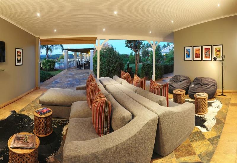 riverdene_patio_lounge1.jpg