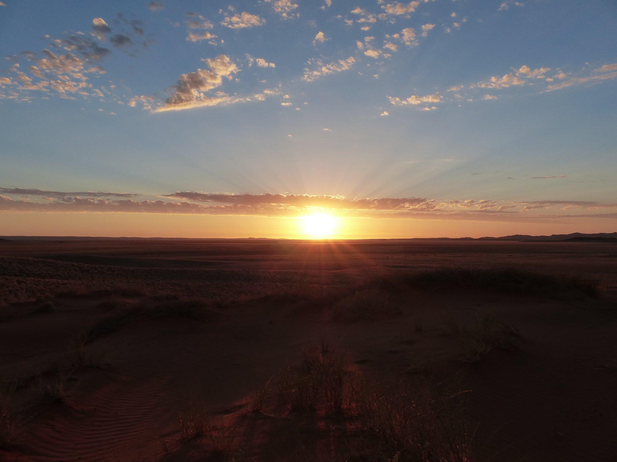 sunset-2011396-min.jpg