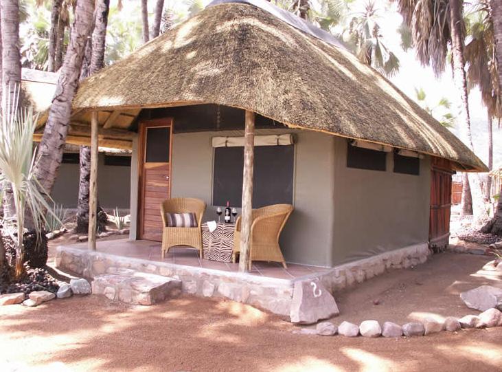 Omarunga_Lodge02.jpg