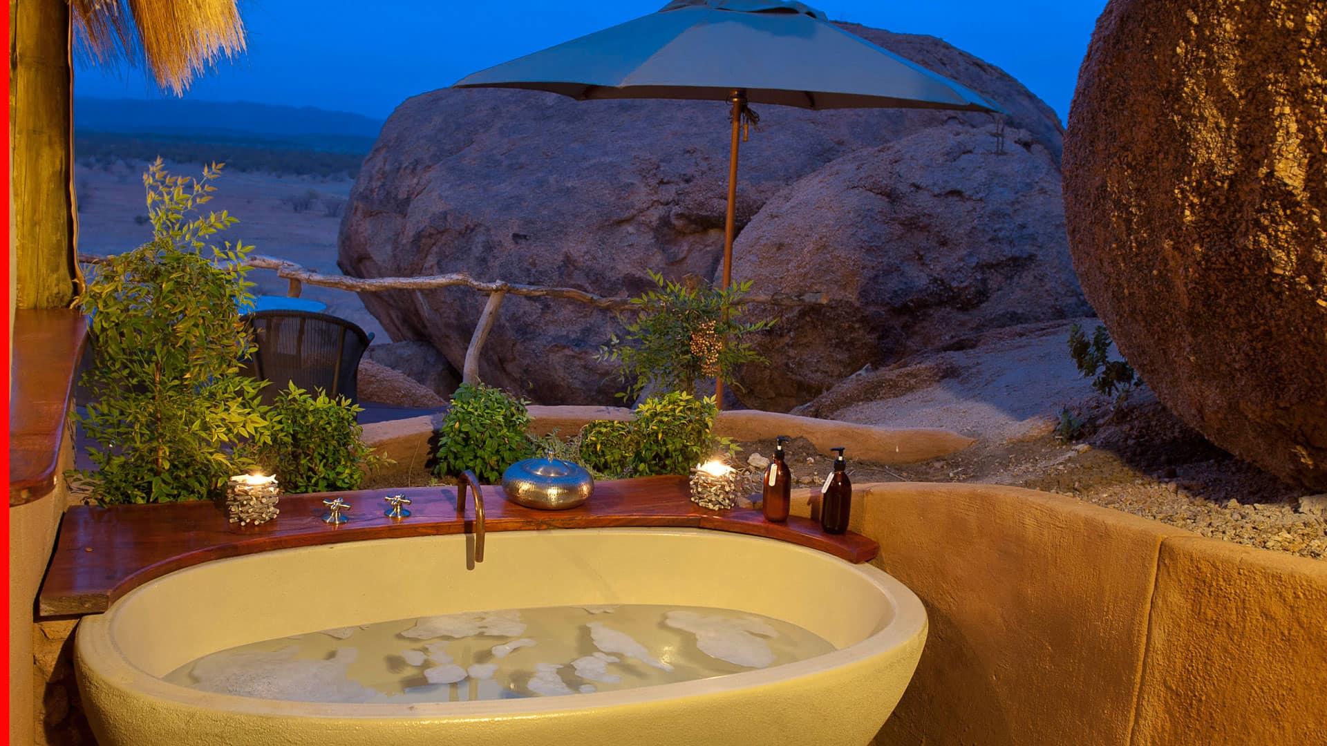 namibia-kipwe-camp-bath-night-min.jpg
